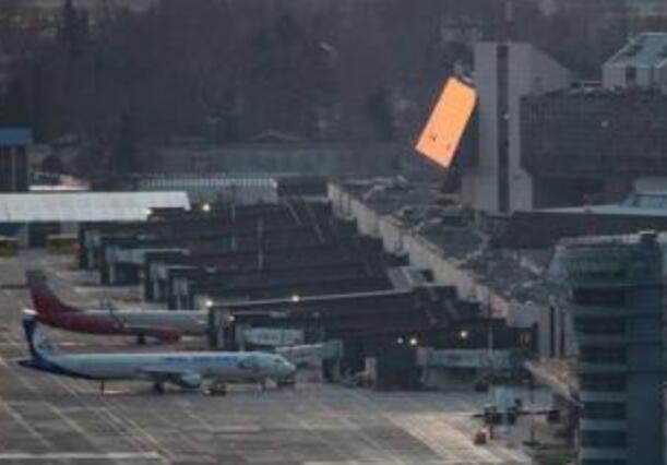 俄737降落时故障具体是什么情况?这到底是个什么梗?