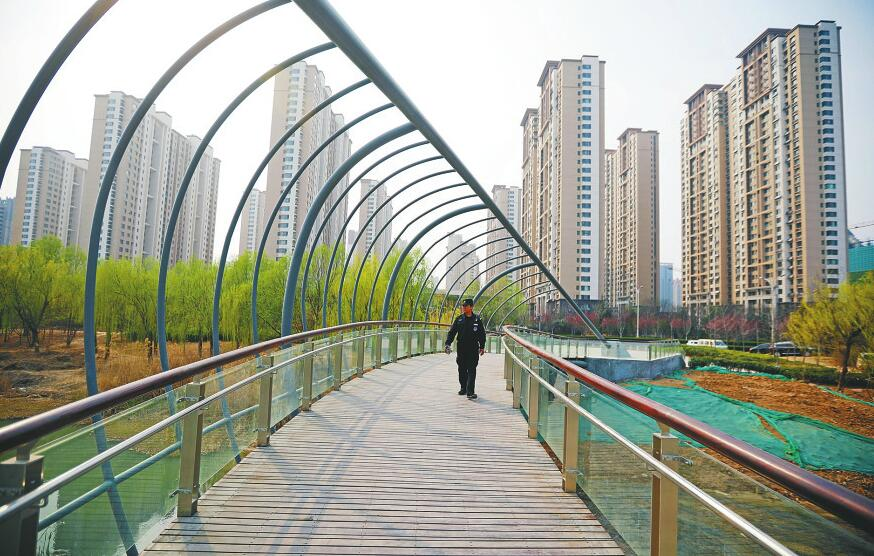 腊山河畔新桥建成