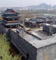 济南最大仿古城门楼