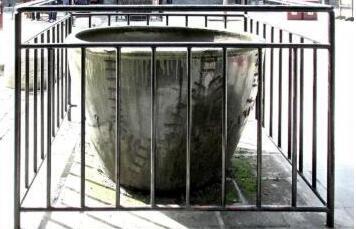 山东木质古修建咋防火?有的殿前摆四时储水的吉祥缸