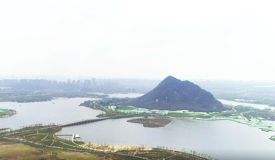 """【""""飞阅""""重点工程】航拍华山历史文化生态湿地公园 尽览""""鹊华春色图"""""""