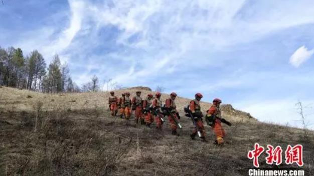 【壮丽70年·奋斗新时代】北纬53°森林消防员日常巡护:每天热身两万步起