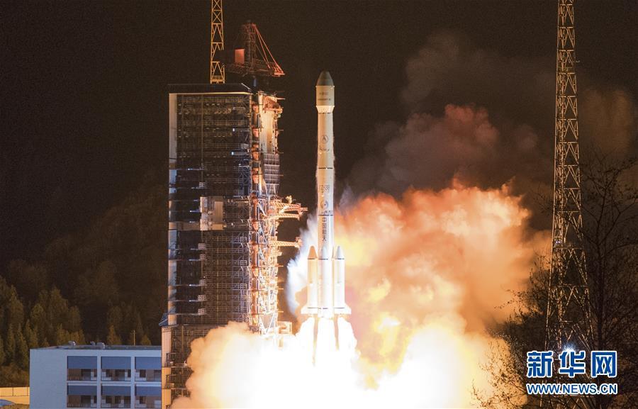 """(壮丽70年·奋斗新时代·图文互动)(4)这里是中国航天的""""技术高地""""——揭开长征火箭跨越成长的基因密码"""