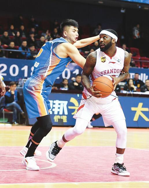 """原山东男篮队员杨越回母队试训 巩晓彬""""第一签""""会是他吗?"""