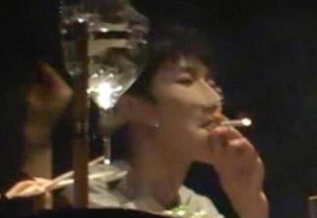 王源吸烟餐厅人均价格3360元 幕后老板竟是那英现任老公?