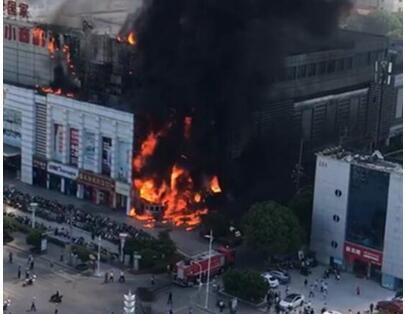 现场直击!苏州市场发生火灾具体什么原因 幸无人员伤亡