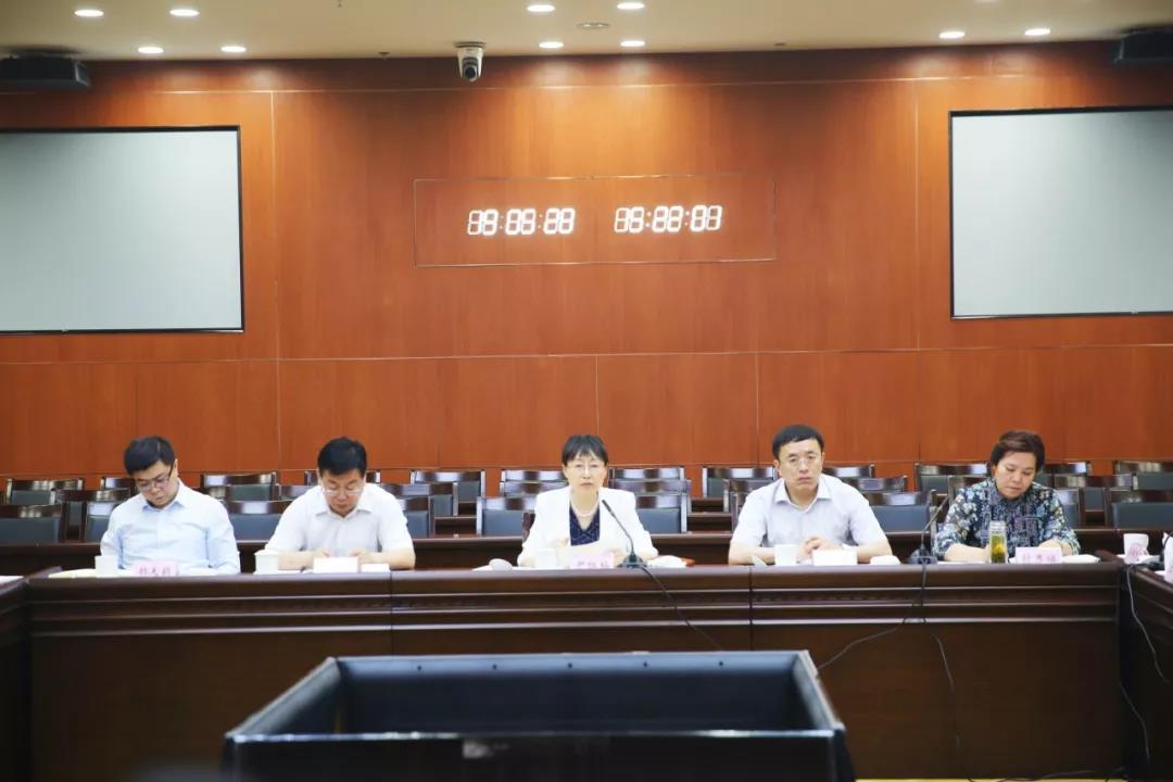 青岛市崂山区党政考察团到历下区参观考察