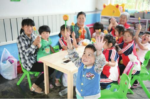 [温暖泉城]送去礼物、翻新校园、共建慈善基地…… 济南时报慈善读者学校让爱延续