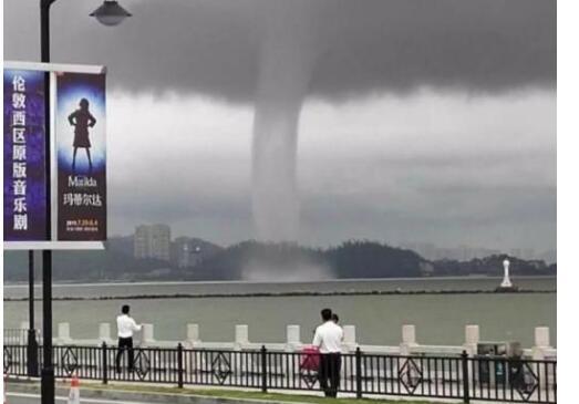 惊呆网友!珠海现龙卷风奇观 龙卷风形成原来是这么回事