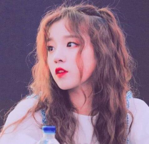 """宋雨琦烟嗓这么好听 在韩国有""""烟嗓妖精""""的称号"""