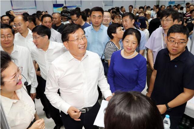 王忠林寻视大高足聘请会:广纳世界英才来济南改进创业繁华