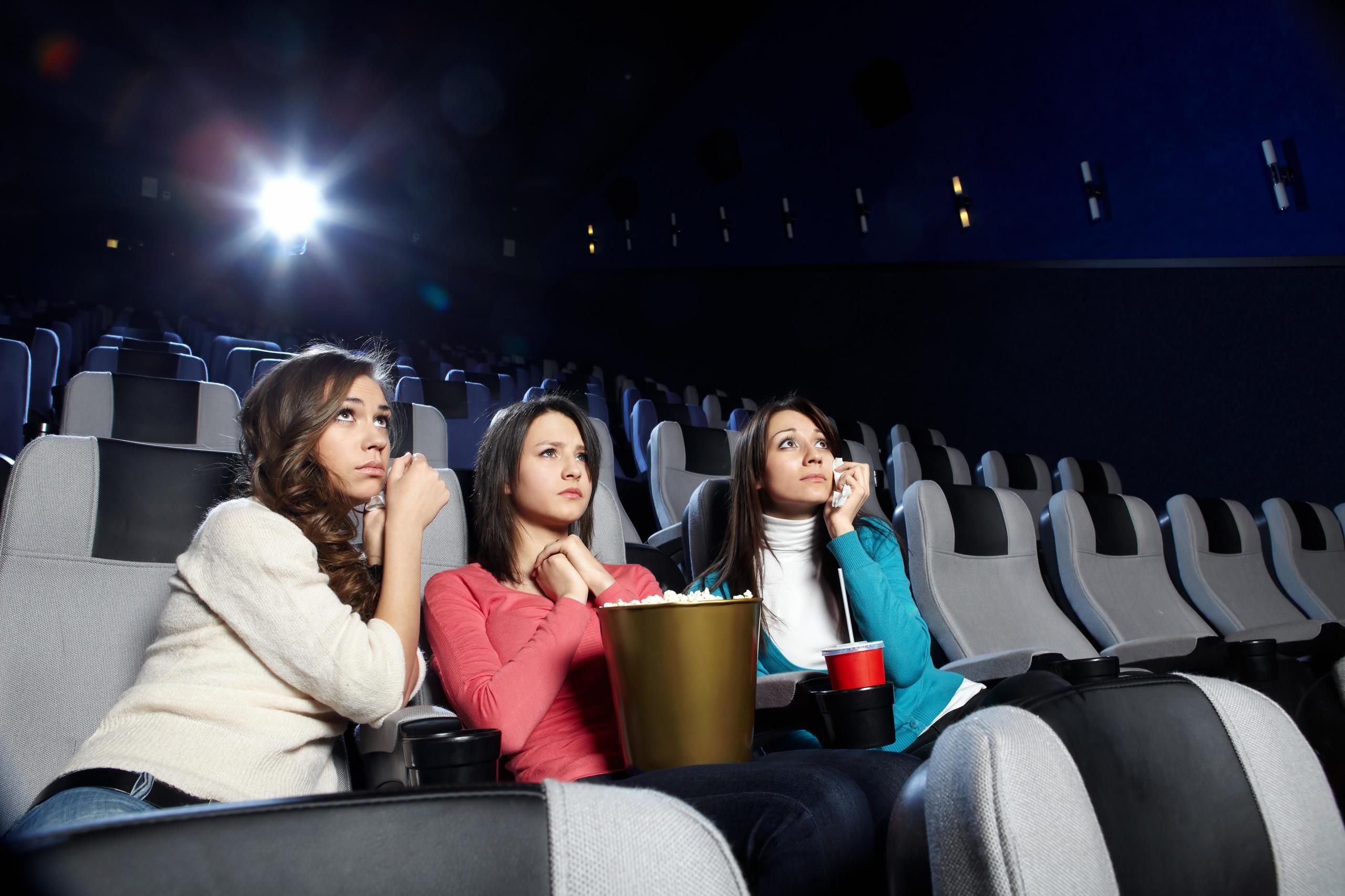 """热门影片""""零售票""""  观众不去影院了?"""