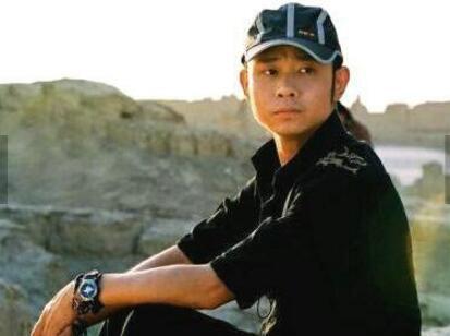 歌手刀郎发福严重 网友:不拿话筒都不知道他是谁!