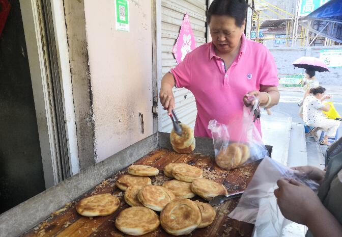 """[济南故事]莱芜烧饼:乾隆点赞的""""百搭""""美食"""