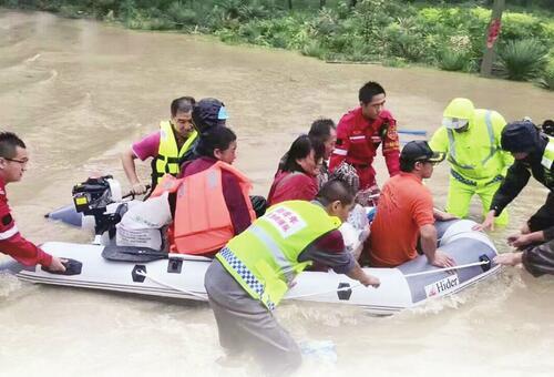 [温暖泉城] 风雨中,看民间救援力量在成长