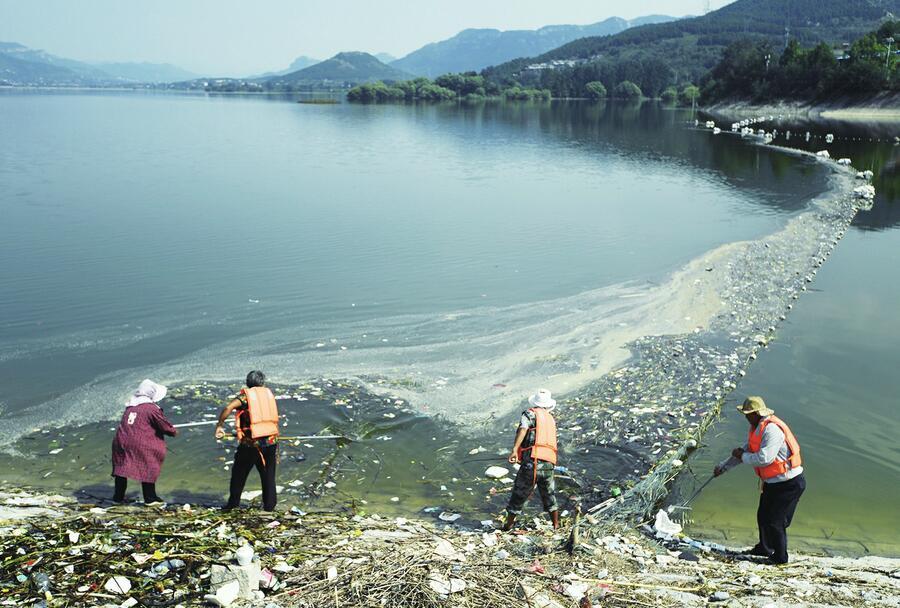 大水缸洗刷刷 卧虎山水库开展今年首次应急打捞