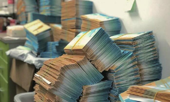 15万封手写信寄给13000个孩子