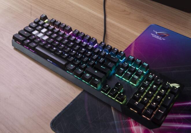 手感让实力更进一步!ROG STRIX SCOPE机械键盘帮圆TI梦