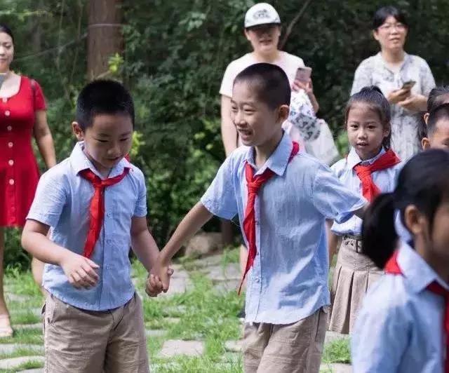 垃圾分类一小步,健康文明一大步!洪家楼小学组织假期社会实践活动