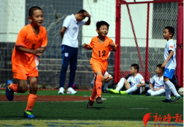 来世茂看看咱济南少年的五人制足球赛