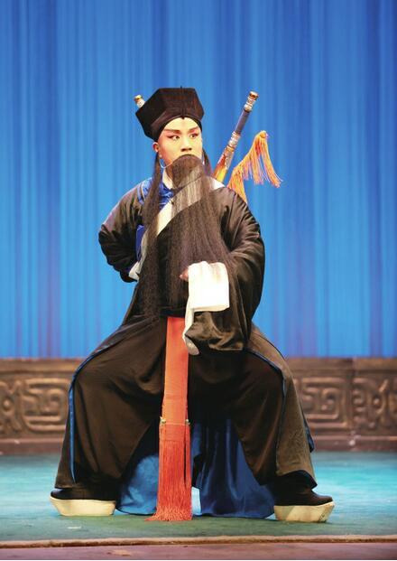 济南小伙唱济南好汉 希望为振兴京剧艺术贡献力量