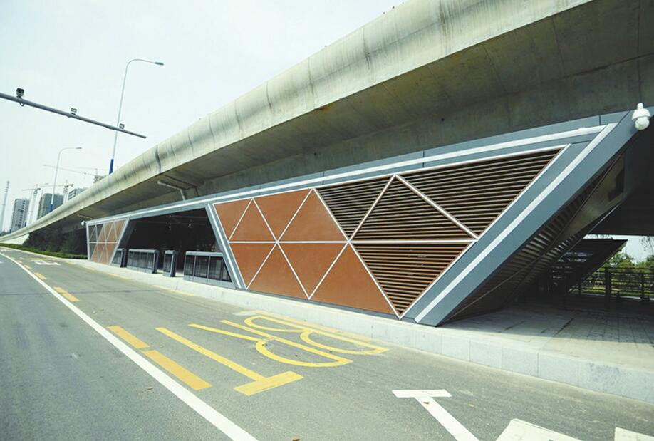 """青岛路""""BRT走廊""""即将完工"""
