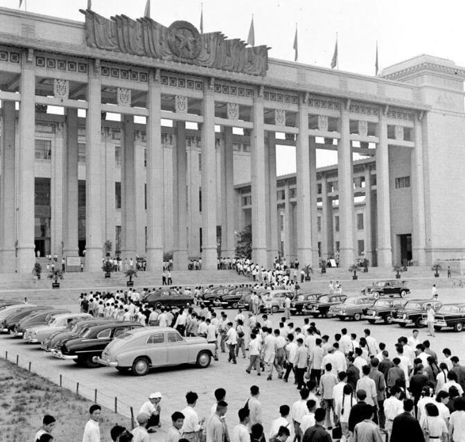 礼赞70年㊷:从十大建筑到城市建筑群