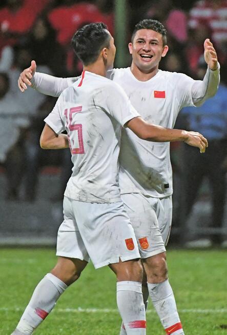 新征程!国足5-0马尔代夫:归化球员艾克森梅开二度 三前锋皆有贡献