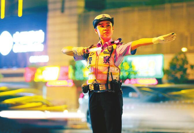 守一路平安 护万家团圆 济南交警中秋假期出动警力3655人次警车1296辆次