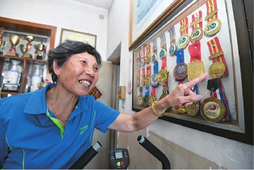 """30多年跑出了119个冠军 80岁 """"冠军奶奶""""想申请吉尼斯世界纪录"""