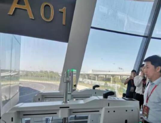 首航秀出黑科技!大兴机场刷脸登机 到登机口步行最多8分钟