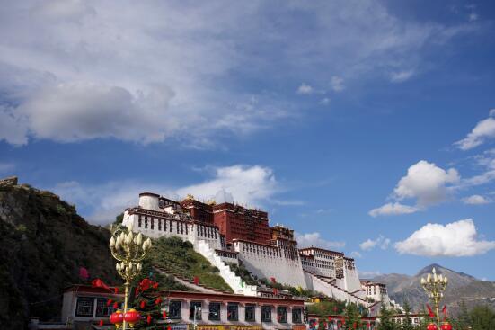"""2019年""""镜头中的脱贫故事""""主题网评引导活动即将走进西藏拉萨市"""