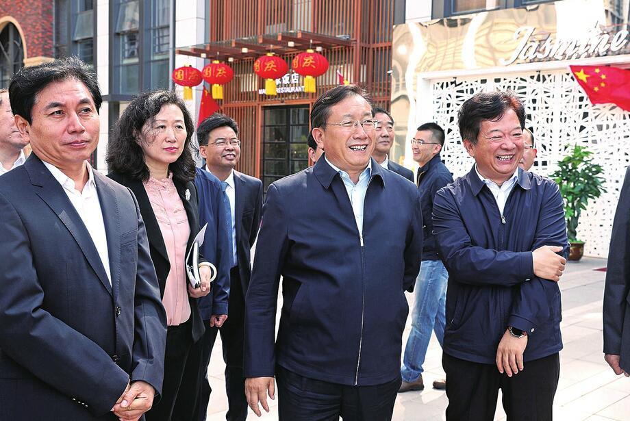王忠林到山东自贸试验区济南片区调研时强调 解放思想聚集合力 营造良好创新生态