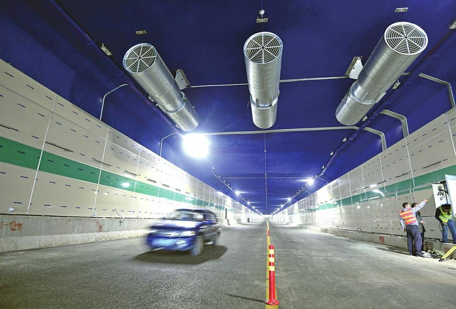 济南刘长山路西延临时放开交通 仅允许机动车6:30至20:30通行