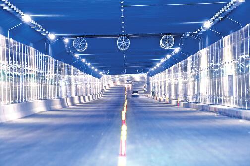 不用绕路啦!刘长山路直通二环西 白马山隧道北半幅临时放开通行