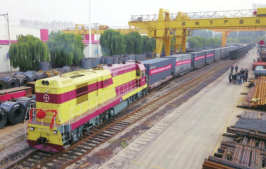 我国首趟俄罗斯进口面粉专列抵达济南 市场价约为10元/公斤