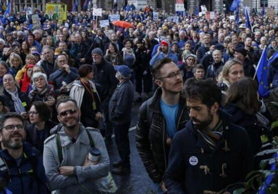 伦敦爆发万人游行什么情况?伦敦为什么会爆发万人游行