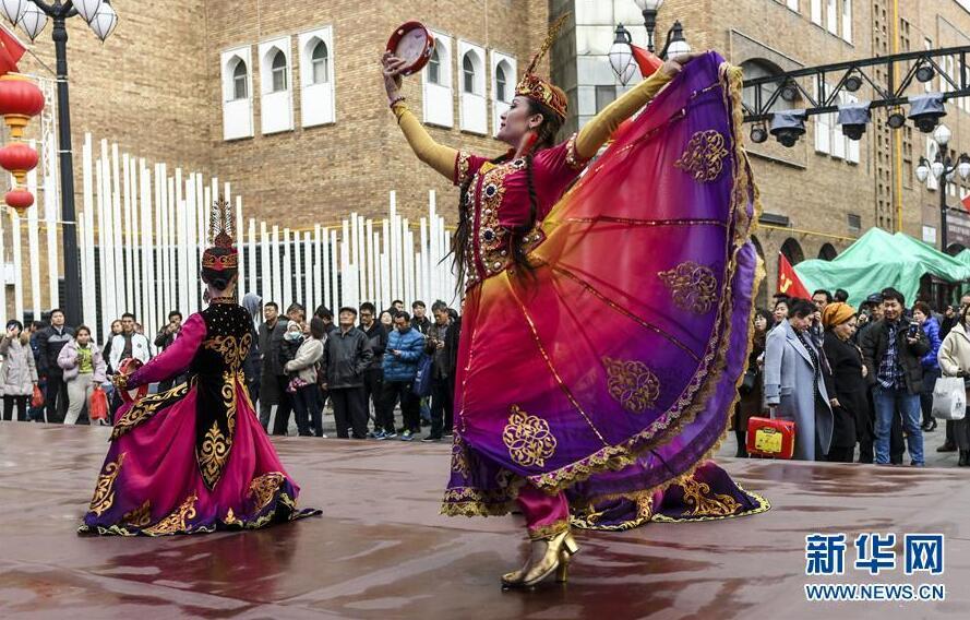 今年前10月新疆旅游接待游客超2亿人次