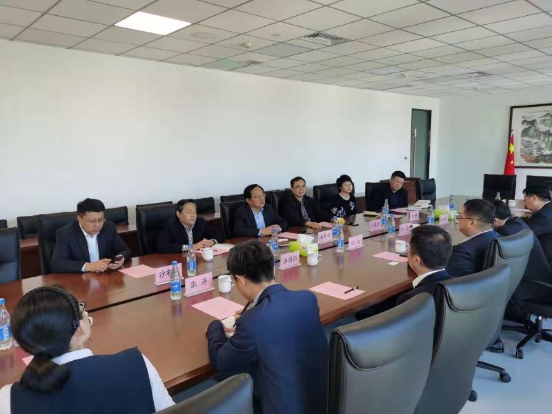 区委区政府主要负责同志走访山东铁路投资控股集团