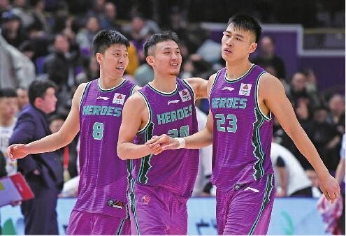 7人轮换 客场95:90险胜北控 山东西王男篮本赛季首获三连胜
