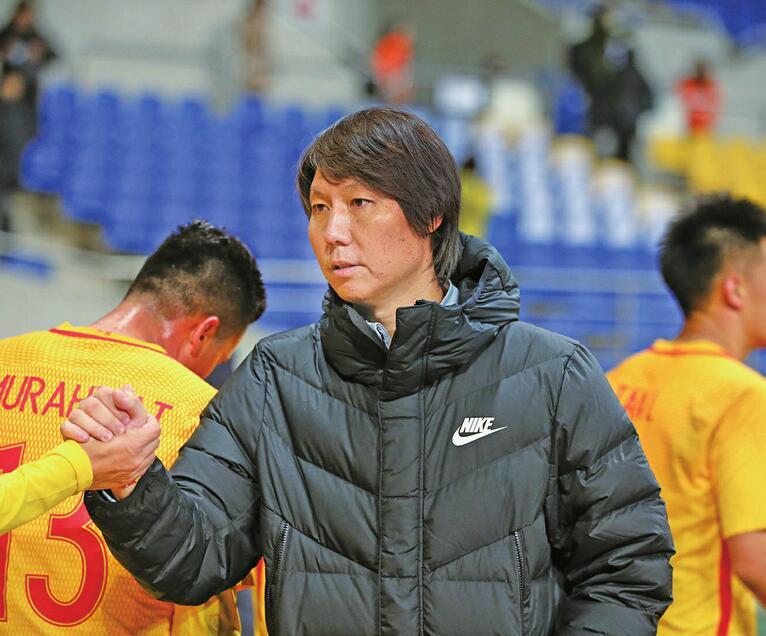 国足0-1韩国!东亚杯国足选拔队遭两连败 李铁赛后这样说