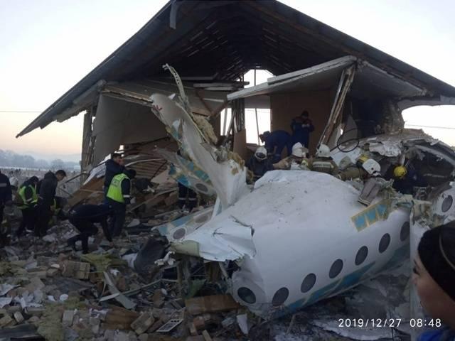 丈夫救了她!坠机幸存中国乘客什么情况?关键一刻发生了什么?