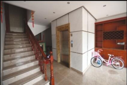 业主买下1至3楼加装个人电梯将两套住房买通成1