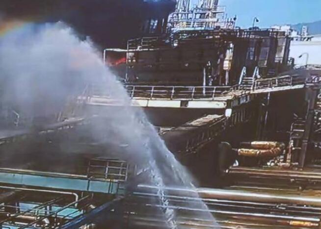 愿平安!珠海化工厂爆炸 40辆消防车200名指战员到场处置