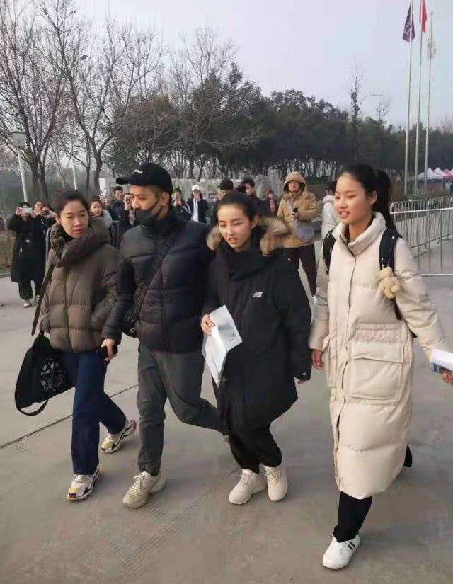 张子枫艺考分数公布 国民妹妹变身学霸 黄磊为什么这么喜欢她?
