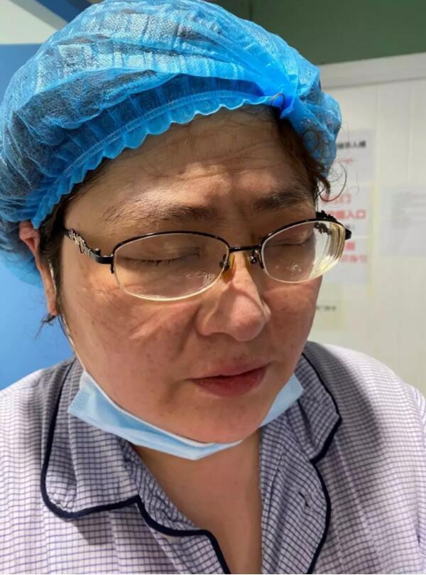 """【你有多美】一个令人落泪的""""纸蛋糕""""――中日医院国家援鄂医疗队日记"""