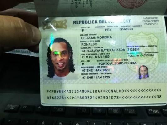 小罗因假护照被捕怎么回事?终于真