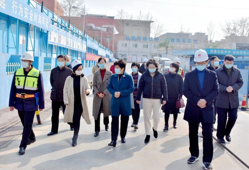 韩宏伟同志参加燕山地区代表小组活动