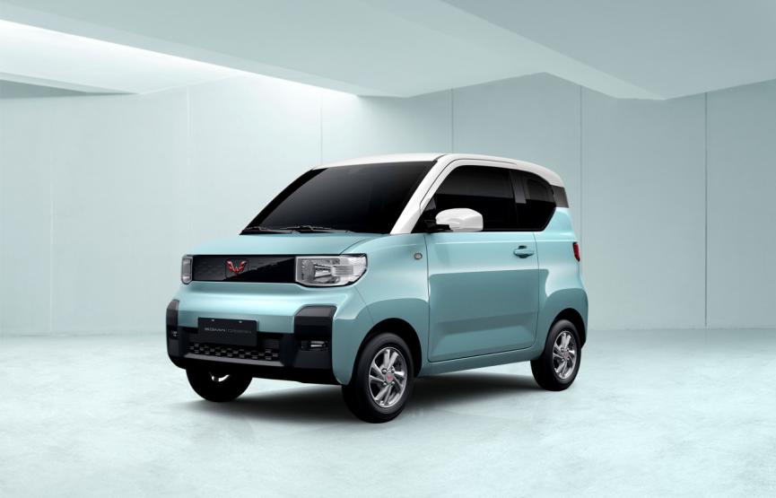 """神车家族再添新成员,五菱首款四座新能源车正式命名为""""宏光MINI EV"""""""