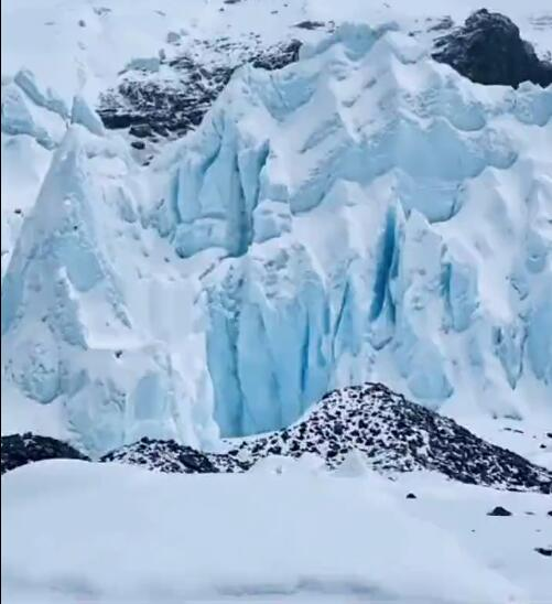 壮观的珠峰冰川 令人十分震撼